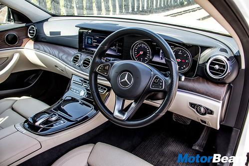2018-Mercedes-E220d-15