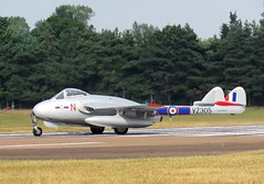 RIAT 2018 Norwegian Air Force Historical Squadron De Havilland Vampire FB. Mk. 52, LN-DHY (VZ305) (WlNGS) Tags: riat2018 norwegianairforcehistoricalsquadron dehavillandvampirefbmk52 lndhy vz305 airport aeroport aeropuerto aeroporto avion jet plane aeroplane airplane aircraft raffairford ffd egva gloucestershire runway
