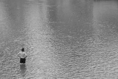 Keeping cool: Salzach River, Salzburg, Austria (Dai Lygad) Tags: stock salzachriver salzburg austria heatwave hot summer photos photographs pictures images blackandwhite jeremysegrott geotagged flickr lonefigure man keepingcool canon 80d camera österreich forwebsite forwebpage forblog forpowerpoint forpresentation