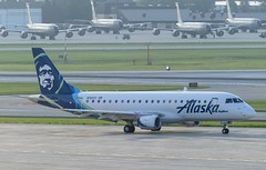 SkyWest Airlines Embraer ERJ-175LR (ERJ-170-200 LR) N192SY (MIDEXJET (Thank you for over 2 million views!)) Tags: milwaukee milwaukeewisconsin generalmitchellinternationalairport milwaukeemitchellinternationalairport kmke mke gmia flymke skywestairlinesembraererj175lrerj170200lrn192sy skywestairlines embraererj175lrerj170200lr n192sy embraererj175lr embraer alaskaairlines wisconsin unitedstatesofamerica iflyalaska