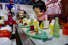 Betty Boop (MayorPaprika) Tags: panasoniclumixdmcfz1000 16 custom diorama toy story paprihaven action figure set bettyboop diner 50s