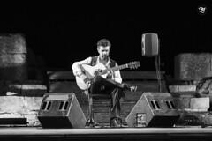 Concierto de José Carlos Gómez (Miguel Lorenzo Fotografía) Tags: flamenco concierto guitarra guitar guitarrista josécarlosgómez blancoynegro blackandwhite baeloclaudia andalucía artista nikond810 nikkor70200