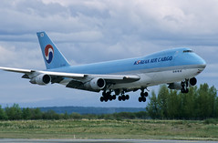 B747 | HL7452 | ANC | 20020527 (Wally.H) Tags: boeing 747 boeing747 b747 hl7452 koreanair cargo anc panc anchorage airport