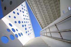 Udsigtstårnet Aarhus (Elbmaedchen) Tags: aussichtsturm udsigtstårnet aarhus dortemandruparchitects aarhusbay architektur architecture denmark dänemark danmark blau blue
