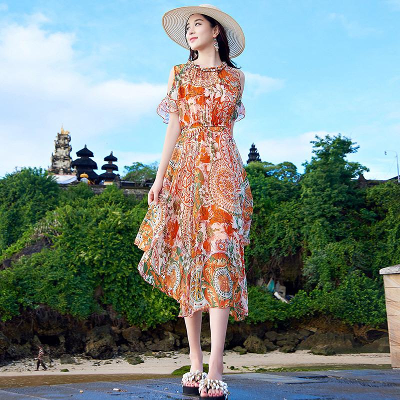 Bohemia long skirt 2018 new beach dress, seaside holiday girl, summer prints, thin skirt, chiffon dress.