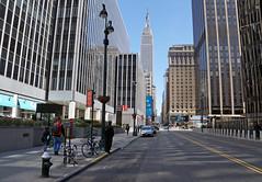 W 33rd Street, Manhattan (SomePhotosTakenByMe) Tags: w33rdstreet 33rdstreet esb empirestatebuilding skyscraper wolkenkratzer urlaub vacation holiday usa america amerika newyork newyorkcity nyc stadt city downtown innenstadt outdoor gebäude building architektur architecture midtown manhattan