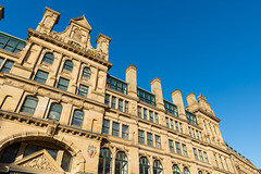 AFS-2018-00644 (Alex Segre) Tags: bluesky sunny sunshine city cities exterior exteriors outside landmark building buildings architecture cornexchange manchester uk england britain english british europe european nobody in a alexsegre