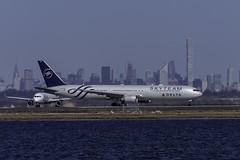 N844MH_JFK_Lined_Up_04L_Side (MAB757200) Tags: deltaairlines b767432er n844mh skyteam aircraft airplane airlines jetliner jfk kjfk boeing runway04l