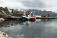 Ornes. Nordland. Norway (ibethmuttis) Tags: water sea sky mountains landscape trees ornes helgeland norway snow houses harbour panasoniclx100 fishboats clouds