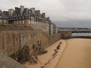 Saint-Malo, Sant-Maloù