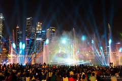 20180720-087-Marina Bay Sands light show (Roger T Wong) Tags: 2018 asia marinabaysands rogertwong sel2470z singapore sony2470 sonya7iii sonyalpha7iii sonyfe2470mmf4zaosscarlzeissvariotessart sonyilce7m3 fountain laser lights night projection show travel