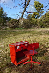 Office in the park (spelio) Tags: canberra act aug 2018 australia gardens construction walk parks wandering lampshade tree desk red