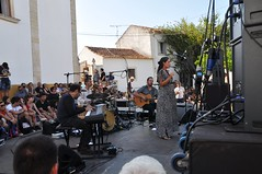 "Tomar - Festival ""Bons Sons"" 2018 (Cem Soldos) - day three (jaime.silva) Tags: elavaz cemsoldos bonssons bonssons2018 tomar portugal portugalia portugalsko portugália portugalija portugali portugale portugalsk portogallo portugalska portúgal portugāle música music musicfestival festival concert stage"