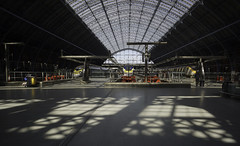 Letting the Light In (McTumshie) Tags: 20180811 eurostar london midlandrailwaycompany stp stpancras stpancrasinternational stpancrasinternationalstation williamhenrybarlow railway roof station train transport