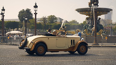 la traversee de Paris estivale 2018 (Christopher Mark Perez) Tags: latraverseedeparisestivale2018 latraverseedeparis2018 latraverseedeparis latraverseeestivaledeparis paris france vincennesenancienne associationvincennesancienne vintageautomobile oldcar oldvehicles historicracecars historicracing sonya6000 nikonnikkor85mmf18k nikon85mmf18k
