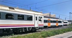Tres series de regionales. (Tomeso) Tags: renfe tren ut unidad 447 448 449 media distancia caf sac barcelona spain