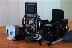 Rolleiflex & Hasselblad (JJ_REY) Tags: cameras film rolleiflex28e czeiss80mmf28 hasselblad 501c czeisscf80mmf28 ilforddelta100 rolleisuperpan200 sekonictwinmate nikond700 alsace france