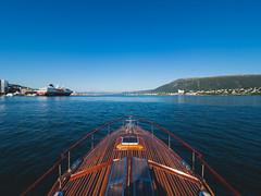 Tromsø by sea (Runar Eilertsen) Tags: tromsø troms nordnorge northernnorway norge norway harbour havn havet
