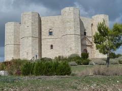 Castel del Monte (pov_steve) Tags: casteldelmonte castleofthemountain citadel castle andriaintheapulia emperorfrederickii unescoworldheritagesite octagon apulia italy puglia