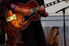 Avec les filles j'ai un succès fou * (Loran de Cevinne) Tags: lorandecevinne guitare gibson jazz live concert toulon var provence guitar riff solo jeanphilippesempéréquartet