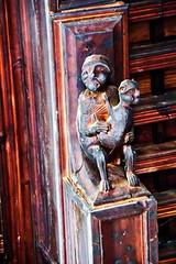 Sala de Los Obispos escultura de monos en artesonado interior Palacio Episcopal Tarazona Zaragoza (Rafael Gomez - http://micamara.es) Tags: sala de los obispos escultura monos en artesonado interior palacio episcopal tarazona zaragoza