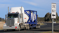 White WESTERNs ~ Ettamogah (3/3) (Jungle Jack Movements (ferroequinologist)) Tags: western star hume highway freeway white nose triaxle clarend mount gambier albury wagga ettamogah hp horsepower big rig haul haulage freight cabover trucker drive transport carry delivery bulk lorry hgv wagon road semi trailer deliver cargo interstate articulated vehicle load freighter ship move roll motor engine power teamster truck tractor prime mover diesel injected driver cab cabin loud rumble beast wheel exhaust double b grunt tanktainer
