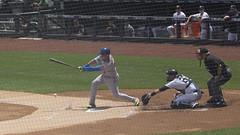 Note the dirt splash! (Mark Shallcross) Tags: 0f4a2081r16x9 yankees yankeestadium baseball mets cabrera asdrubalcabrera