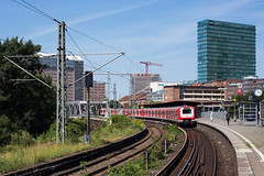 Hamburg Berliner Tor (Nils Wieske) Tags: hamburg berliner tor sbahn baureihe 472 db bahn zug züge train railway eisenbahn triebwagen