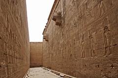 Horus Tempel in Edfu - Wandelgang (Magdeburg) Tags: ägypten egypt egypte مصر египе horus tempel edfu horustempelinedfu horustempeledfu horustempel temple horustempleinedfu horustempleedfu horustemple wandelgang wandelgangedfu wandelgangtempeledfu