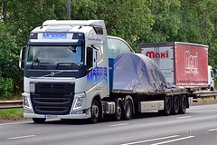 YN15 ZTF (Martin's Online Photography) Tags: volvo fh4 truck wagon lorry vehicle freight haulage commercial transport a63 everthorpe eastyorkshire