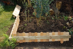 New Raised Bed - 1 (basswulf) Tags: d40 1855mmf3556g lenstagged unmodified 32 image:ratio=32 permissions:licence=c 20180421 201804 3008x2000 normcres oxford england uk garden backgarden raisedbed diy