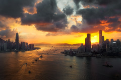 Hong Kong sunset. (Massetti Fabrizio) Tags: sunset sun sunlight sunrise nikond4s 2470f28 hongkong victoriapeak cina china cityscape color clouds city landscape landscapes light red