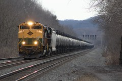 Oil Snake (Eric_Freas) Tags: norfolk southern ns pittsburgh line heritage unit 1067 reading bellwood pennsylvania