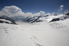 Above Aletsch Glacier (Pavel Vanik) Tags: schweiz suisse svizzera switzerland swiss berneroberland jungfraujoch alpen alpi alps mountain mountains nature landscape aletsch snow glacier cloud canon 5d 1635lis