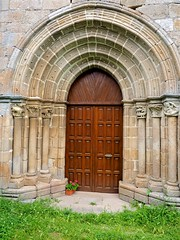P6220873 (simonrwilkinson) Tags: sober lugo galicia spain sanjuliandelobios c12th romanesque church portal doorway ribeirasacra