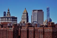 Manhattan Bridge - vue sur Two Bridges 3 (luco*) Tags: usa united states america étatsunis damérique new york city nyc manhattan bridge vue view two bridges immeubles buildings jenga tower