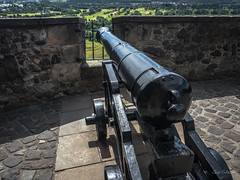 Hear Ye You Pesty Invaders.  We Have Big Guns! (GarSham) Tags: artillery cannon war scotland protection