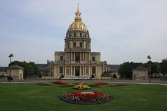 Hôtel national des Invalides (lazy south's travels) Tags: paris france french architecture hospital military bed manicured lawn museum