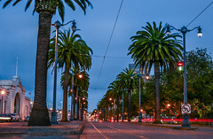 it get's lonely on the boulevard (pbo31) Tags: sanfrancisco california nikon d810 color august 2018 summer boury pbo31 urban city embarcadero littleitaly roadway palms infinity pier blue green lightstream traffic motion