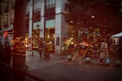 Mercado San Miguel (nrbargo) Tags: madrid mercado callejeando sanmiguel reflejo gente