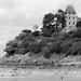 Dinard et ses logements côtiers (N&B)