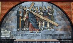 4º misterio glorioso: Jesús con la cruz a cuestas (Santuario Torreciudad) Tags: virgen maria misterio rosario santuario