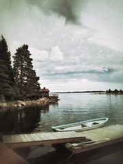 Intermission (Stefano Rugolo) Tags: stefanorugolo huaweip9lite snapseed intermission impression landscape boat sea jetty sky clouds textures huawei