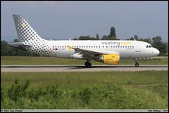 AIRBUS A319 112 Vueling EC-MIR 3377 Bale Mulhouse mai 2018 (paulschaller67) Tags: airbus a319 112 vueling ecmir 3377 bale mulhouse mai 2018