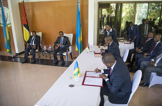 President Kagame and President Filipe Nyusi of Mozambique hold joint press conference at Village Urugwiro   Kigali, 20 July 2018