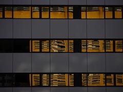 SigHt. (WaRMoezenierr.) Tags: gebouw weerspiegeling building architecture reflection window raam fenster color gold oro goud abstract panasonic lumix rotterdam zuid holland holanda netherlands curves lines baksteen