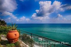 Ho deciso vado a vivere al mare.... (Gianni Armano) Tags: mare liguria foto gianni armano photo flickr
