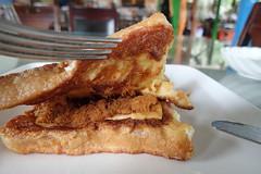 toast (8pl) Tags: toast matin petitdéjeuner taïwan fourchette couteau services