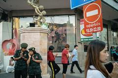 * (Sakulchai Sikitikul) Tags: street snap streetphotography summicron songkhla sony 35mm leica thailand hatyai sculpture a7s