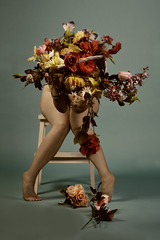 flowergirl (Ágnes Dudás) Tags: legs flowers colorful bouquet girl roses sitting crazylegs flowergirl